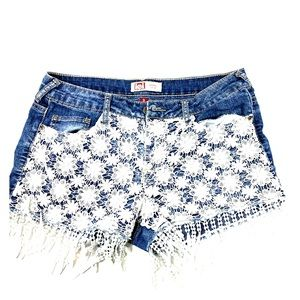 L.e.i. Ashley lowrise jeans shorts size 9